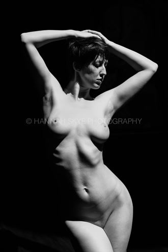 artistic nude natural light photo by photographer hannah skye photography