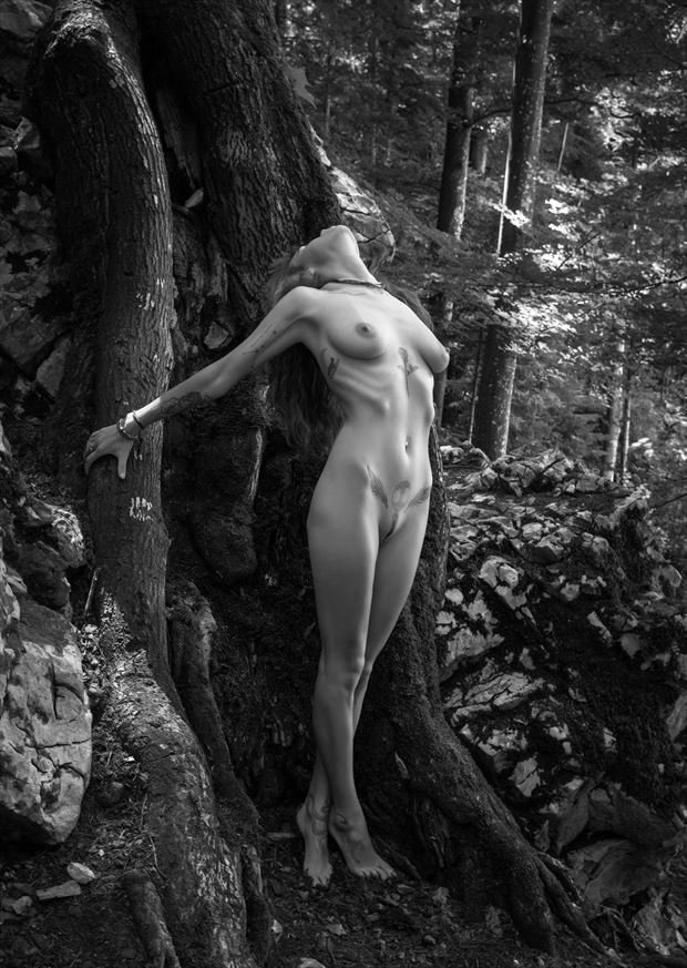 artistic nude nature artwork by photographer lomobox