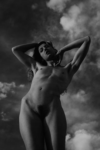 artistic nude nature photo by model vivian cove