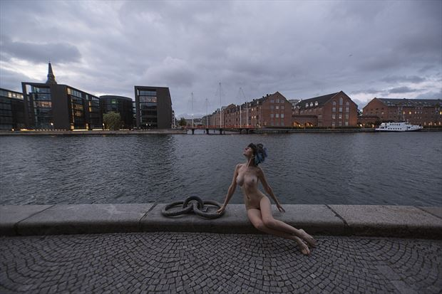 artistic nude photo by model sarascarlet