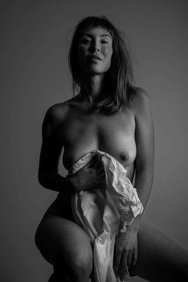 artistic nude photo by photographer bradley delaney