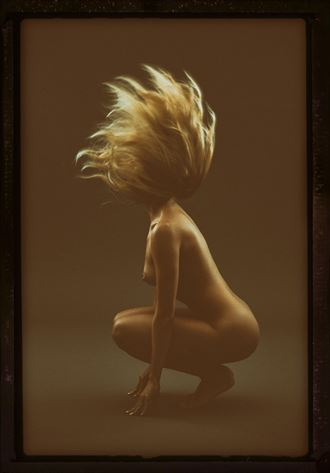 artistic nude photo by photographer david masters