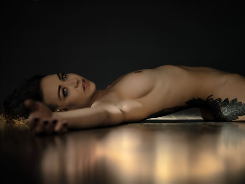 artistic nude photo by photographer ellis