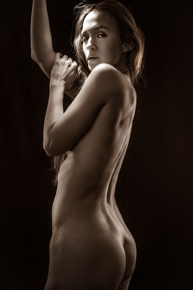 artistic nude photo by photographer eric delaforce