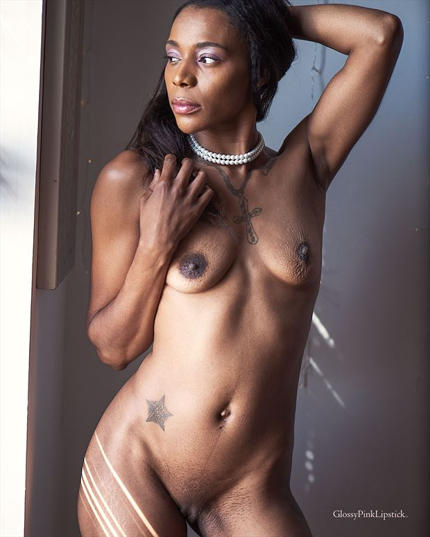 artistic nude photo by photographer glossypinklipstick