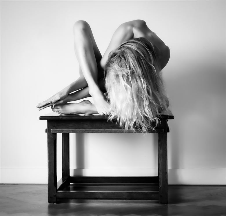 artistic nude photo by photographer gordon david