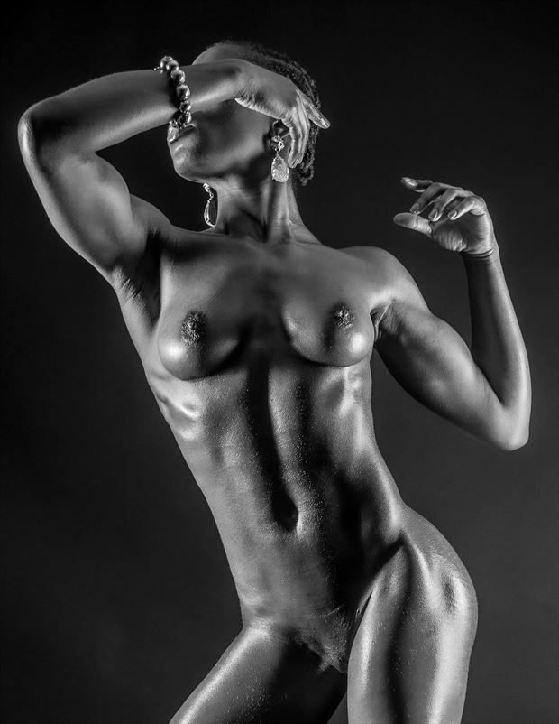 artistic nude photo by photographer ian thompson