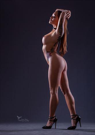 artistic nude photo by photographer ilan bar