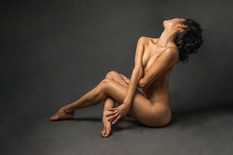 artistic nude photo by photographer jose luis guiulfo