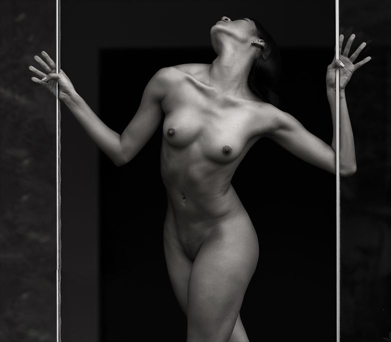 artistic nude photo by photographer jose luis guiulfo