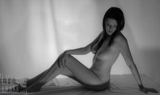artistic nude photo by photographer lyeawakephotography
