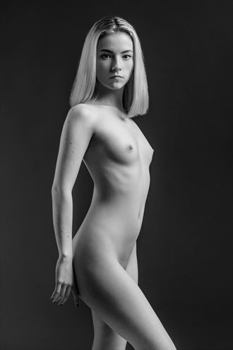 artistic nude photo by photographer monsieur s