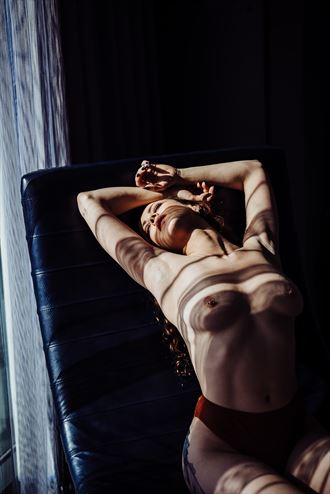 artistic nude photo by photographer pamfieldsphoto