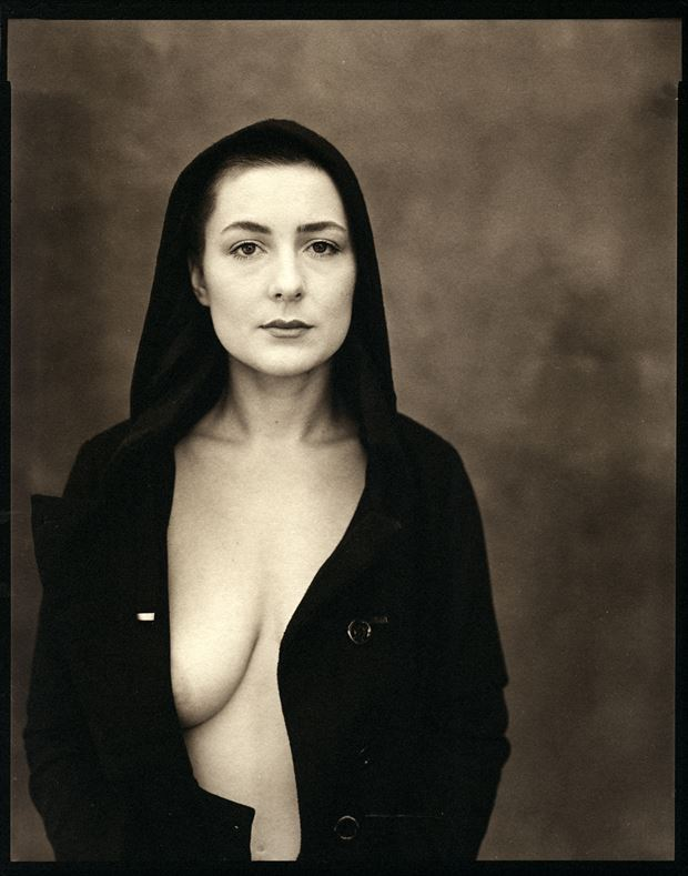 artistic nude photo by photographer ray bidegain