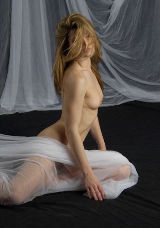 artistic nude sensual photo by photographer dimensional images