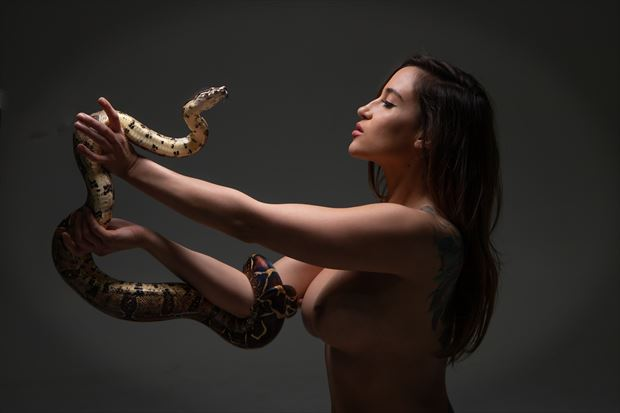 artistic nude sensual photo by photographer eric upside brown