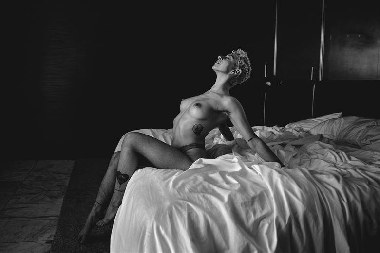artistic nude sensual photo by photographer pamfieldsphoto