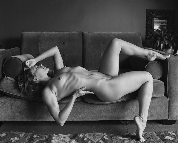 artistic nude sensual photo by photographer robert m bennett