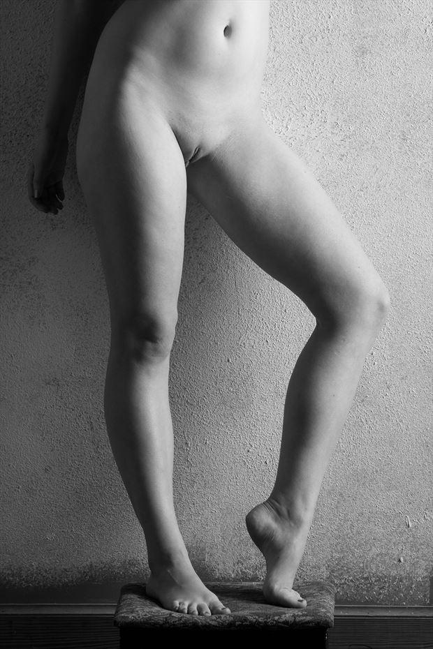 artistic nude sensual photo by photographer studio2107