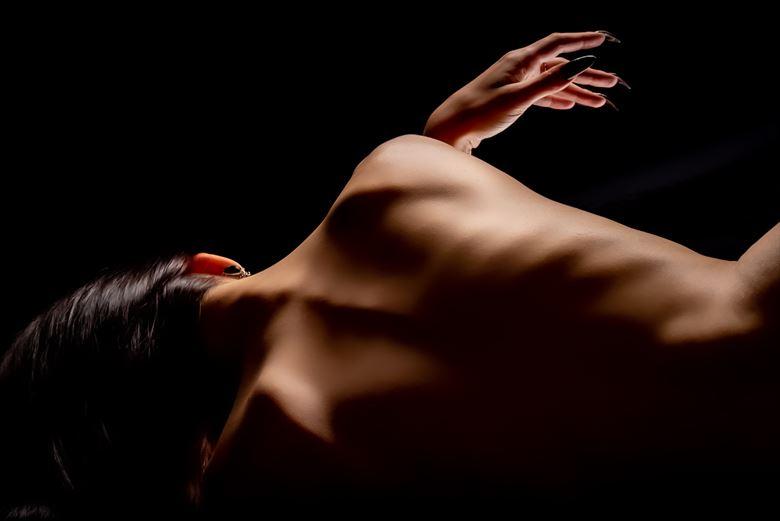 artistic nude silhouette photo by model fleursdumal