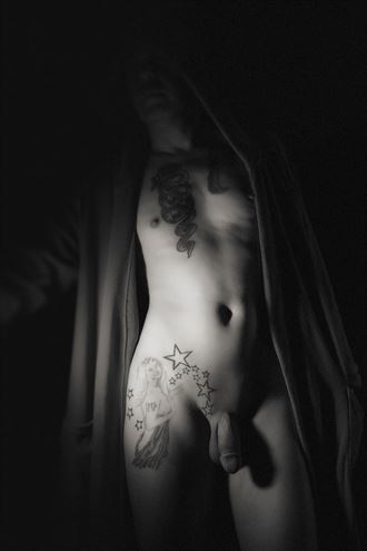artistic nude silhouette photo by model marschmellow