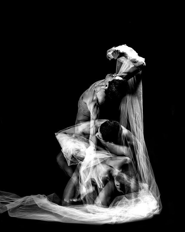 artistic nude studio lighting artwork by photographer daniel meshel