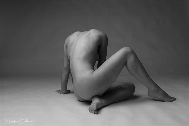 artistic nude studio lighting photo by model dahliahrevelry
