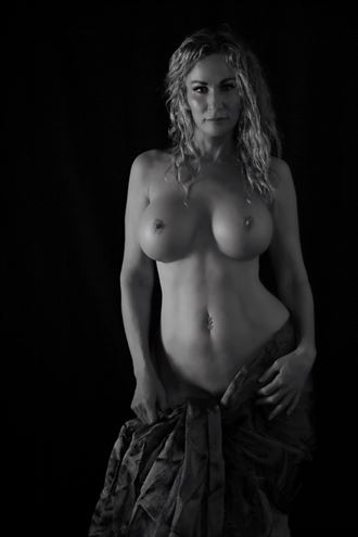 artistic nude studio lighting photo by model sirsdarkstar