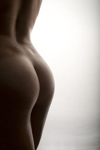 artistic nude studio lighting photo by photographer brody hall