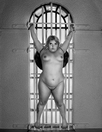 artistic nude studio lighting photo by photographer chriswoodman_photo