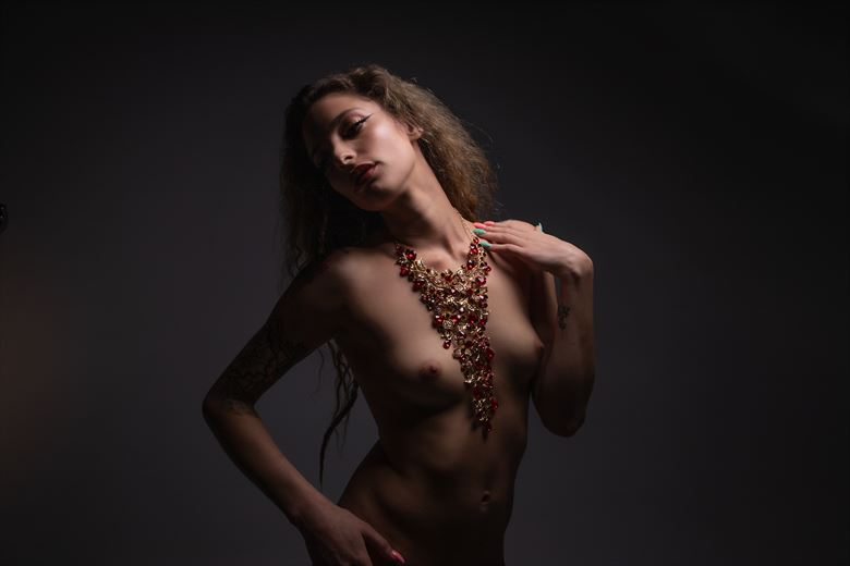 artistic nude studio lighting photo by photographer eric upside brown