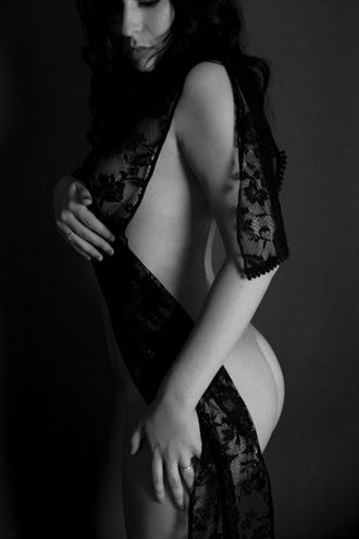 artistic nude studio lighting photo by photographer hannah skye photography