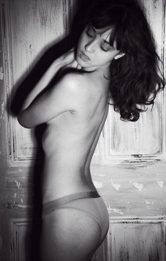 artistic nude studio lighting photo by photographer nomad