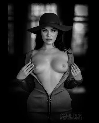 artistic nude studio lighting photo by photographer scottcameron