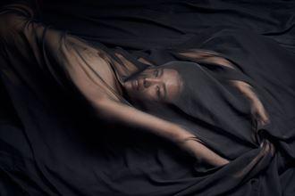 artistic nude studio lighting photo by photographer stephane michaux