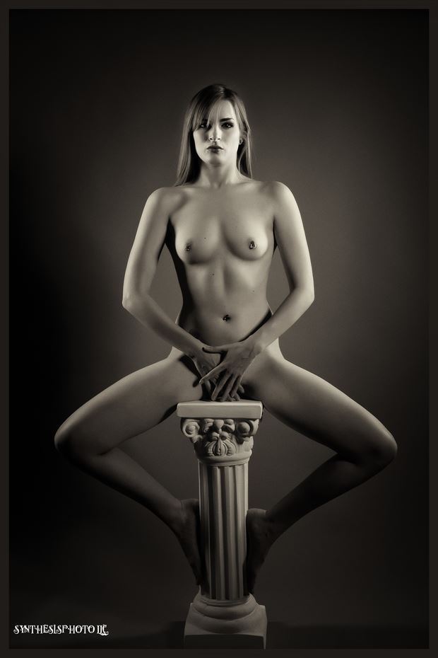 artistic nude studio lighting photo by photographer synthesis art 1