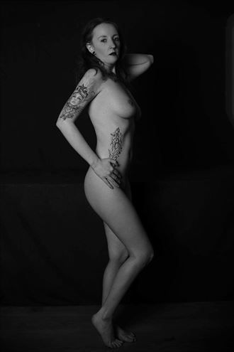artistic nude tattoos photo by model amy scott