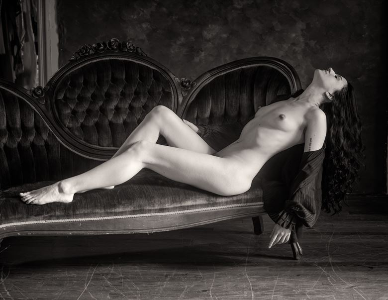 artistic nude vintage style photo by photographer studio2107