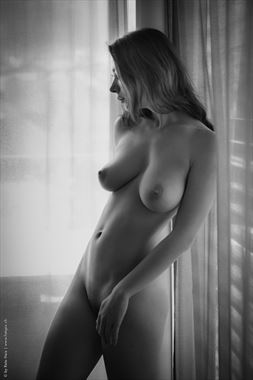 at home artistic nude photo by photographer reto heiz