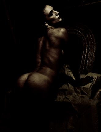 at prayer artistic nude photo by photographer richinw