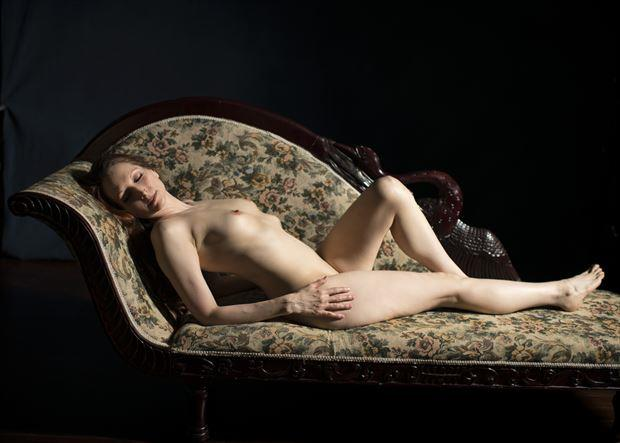 at rest artistic nude photo by photographer tommy 2 s
