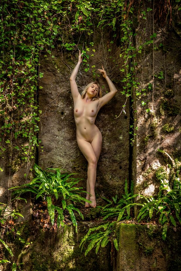 at the cliff face artistic nude photo by photographer maxoperandi
