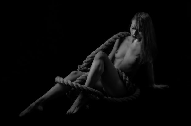 at the end of her rope artistic nude photo by photographer paul anders