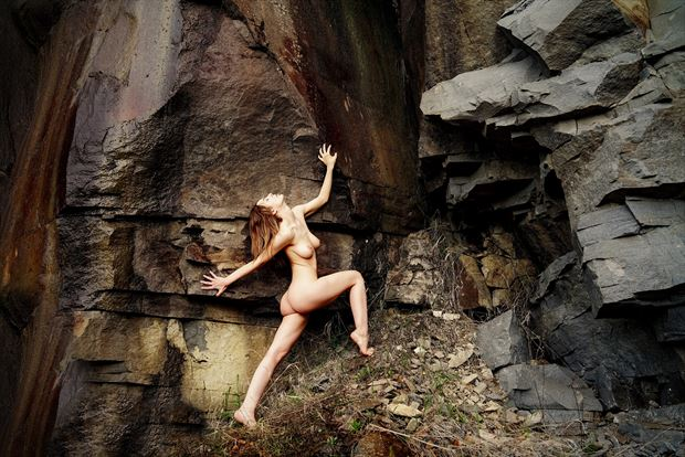 at the rocks color artistic nude artwork by artist kuti zolt%C3%A1n hermann