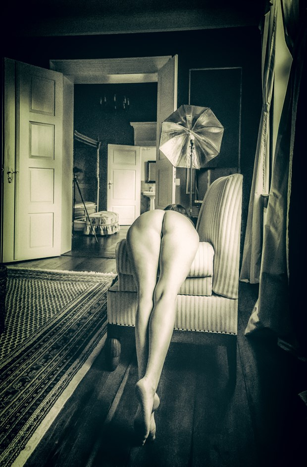 at work Artistic Nude Photo by Photographer BenGunn