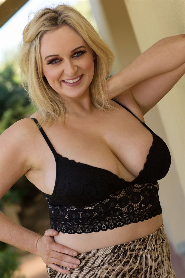 aussie curves glamour photo by model kelly_kooper