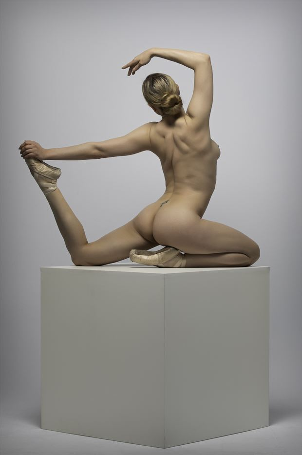 ayla rose artistic nude photo by photographer tmul