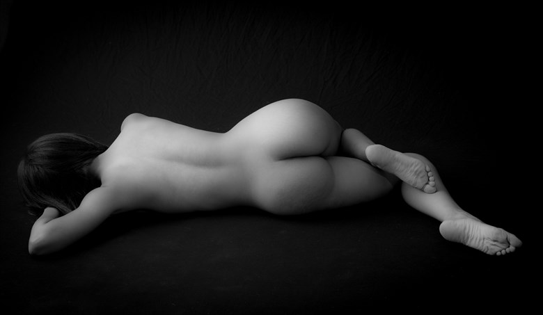 back Artistic Nude Photo by Photographer Allan Taylor