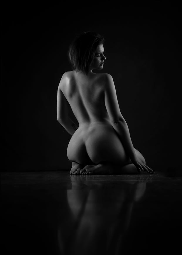 back artistic nude photo by photographer richard byrne