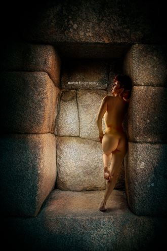 back in time artistic nude photo by photographer mountography